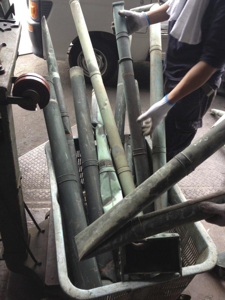 竹?、いやいや銅でできた雨樋です☆