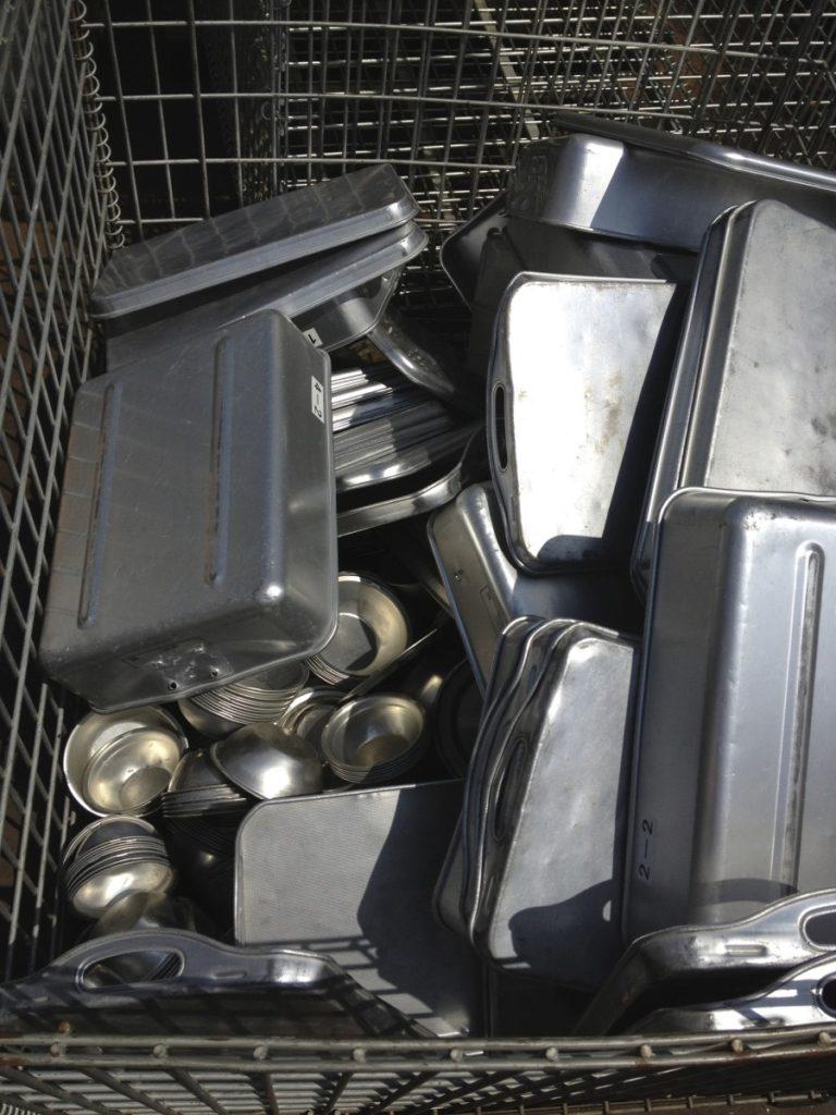 アルミ製の給食食器もリサイクル☆