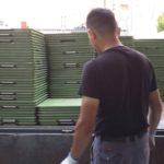 中央区、某薬品メーカー様の内装用床材を撤去させていただきました。