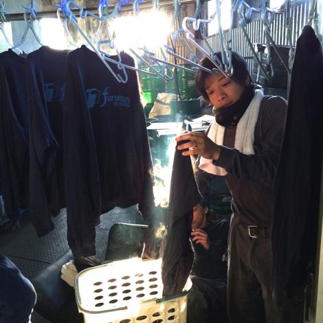 古谷商店の一日は洗濯から・・・