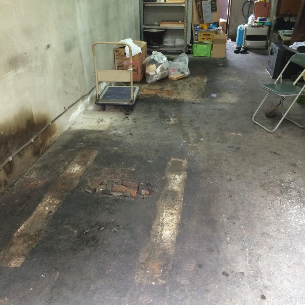 埃や瓦礫を奇麗に掃除して作業完了です