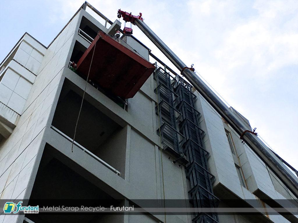 大阪市内の大規模現場にて空調設備の撤去作業☆