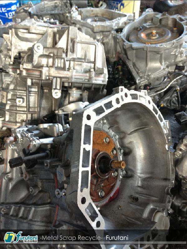 白エンジン・アルミエンジン解体物