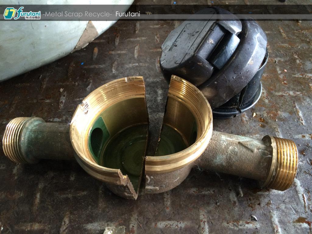 青銅(砲金)水道メーターを解体してみよう!