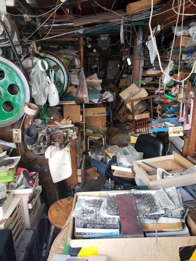 廃工場3枚扉側1